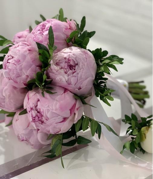 «Букет Невесты №8» — 9 пионов